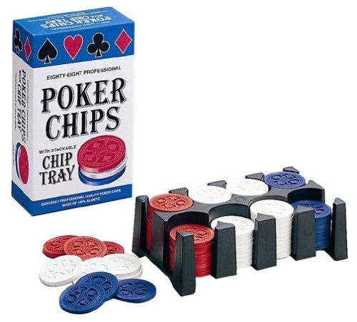 Quatre-vingt-huit jetons de Poker professionnel avec plateau