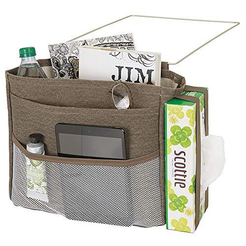 mDesign Wren Betttasche zum Einhängen - geräumiger Nachttisch Organizer aus Baumwolle - mit 3 Taschen - praktische Hängeaufbewahrung für Wasserflasche, Fernbedienung, Armbanduhr & Co. - braun