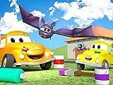 Peter das Postauto ist gegen einen Topf mit Karamell gefahren  / Tao das Tuktuk ist in einen Kuchen gefahren / Rockey die Rakete ist bedeckt mit Treibstoff / Klein Tom spielt Paintball und wird mit Farbe beschmiert