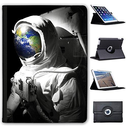 """Astronautenanzug & Spiegelbild der Erde Case Cover / Folio aus Kunstleder für das Apple iPad Pro 9.7"""""""