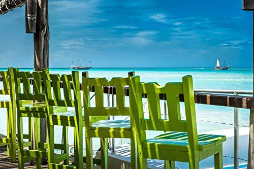 Wandbild auf Alu-Dibond. Stühle Einer Strandbar am Strand von Aruba in der Karibik. Galerie Fine Art Fotografie Print auf Aludibond. Kunst Wanddeko Wand Foto Bild (Küche Insel-stühle)