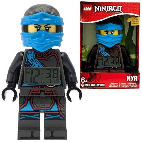 LEGO Ninjago Hands of Time Nya Kinder-Wecker mit Minifigur und Hintergrundbeleuchtung | blau/schwarz | Kunststoff | 24 cm hoch | LCD-Display | Junge/ Mädchen | offiziell