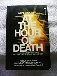 At the hour of death (A discus book) by Karlis Osis (1979-12-26)