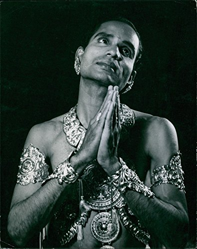 vintage-photo-of-vintage-photo-of-kottakkal-krishnan-kutty-nair-performing