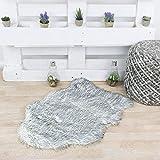 Taracarpet Kunstfell weiß-schwarz 055x080 cm Fellform Schaffell Imitat Wohnzimmer Schlafzimmer Kinderzimmer auch als Bett-Vorleger oder als Matte für Stuhl Sofa