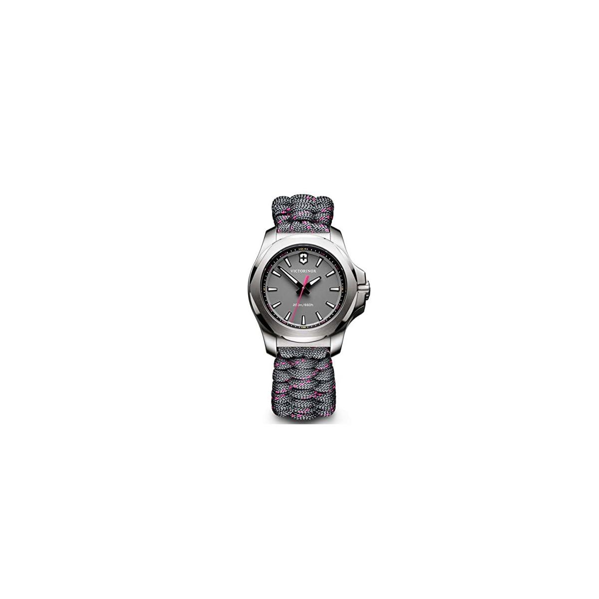 51SWKj5cB0L. SS1200  - Victorinox Reloj Digital de Cuarzo para Mujer con Correa de Tela - 241771