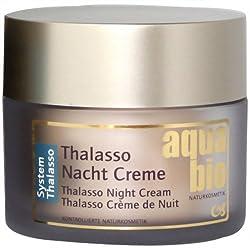 Die aquabio Thalasso Nachtcreme ist ein Schönheitsbalsam, der über Nacht seine luxuriöse Repair-Wirkung entfaltet. Der exquisite Anti Aging-Komplex aus Algen, Austernpilzen, Samphira und Meersalz wirkt intensiv gegen Feuchtigkeitsverlust und unterstü...
