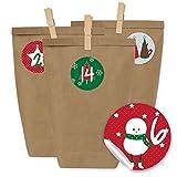 Papierdrachen 24 Sacchetti di Carta per Il Calendario dell'Avvento con Adesivi e 24 mollette di Legno - Motivo Rosso e Verde Classico - 15
