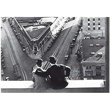 Postkarte A6 +++ SCHWARZ-WEISS von modern times +++ STAN LAUREL & OLIVER HARDY +++ ARTCONCEPT/NEWS