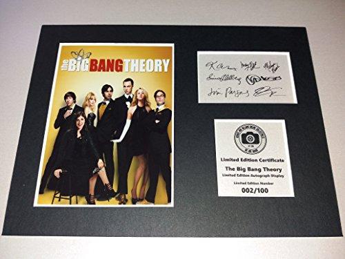 The Big Bang Theory Cast SIGNED Autograph Display?Sheldon, Leonard, Penny, Howard, Raj, Bernadette, und Amy?montiert und bereit zu gerahmt werden