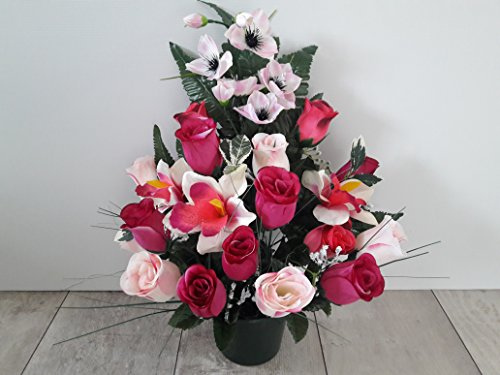 Composition de de fleurs artificielles lesté totalement ciment pour une très bonne tenue à l extérieur vu son poids. Réalisé par nos soins, produit apprécié dans nos villes. Les fleurs sont aussi de très bonne tenue et qualité. Vous ne serez pas déçus par sa résistance au vent.