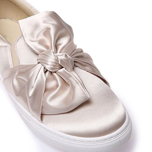 La Modeuse Baskets de Type Slip-On en Tissu Satiné Beige