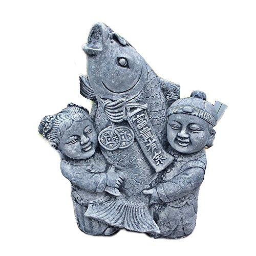 Steinfigur Kinder Junge und Mädchen mit Koi aus massivem Steinguss frostfest
