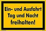Kleberio® Hinweisschild 300 x 200 mm Einfahrt - Ein- und Ausfahrt Tag und Nach freihalten! - Kunststoffplatte 3mm STARK Farbe: gelb