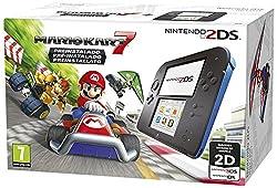 """Nintendo 2DS Nera/Blu + Mario Kart 7Nintendo Cons. Nintendo 2DS Ne./Blu 2205049+Mario Kart 7Specifiche:PiattaformaNintendo 2DSFrequenza del processore266 MHzRAM Installata128 MBLettore di Schede IntegratoSDDisplay Incorporato3,53 """"Tipologia DisplayLC..."""