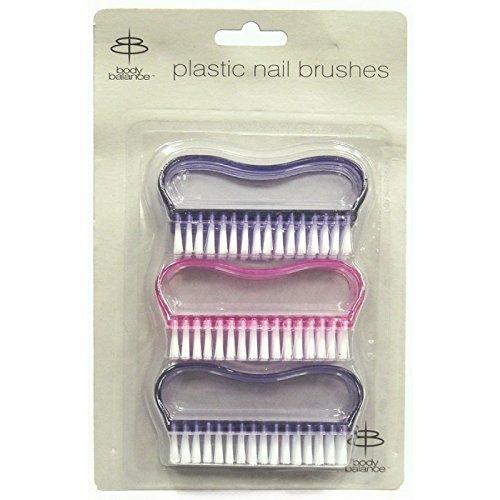 3-plastic-nail-brushes