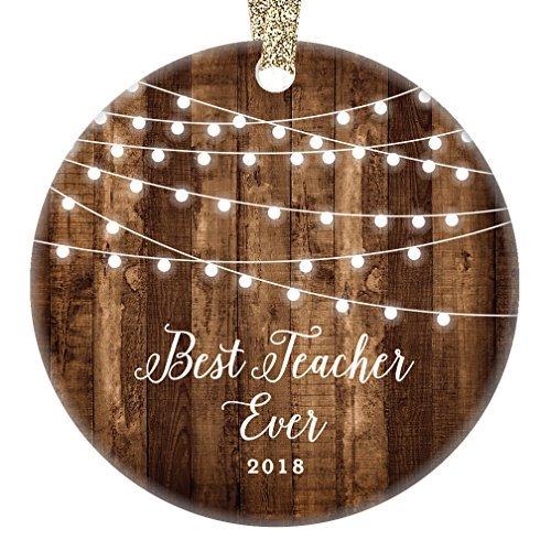 qidushop Lehrer-Geschenke 2018 Best Teacher Ever Christmas Ornament Weihnachten Geschenk von Schule Student Girl Boy für TA Assistent Bauernhaus Sammlerstück für Weihnachten - Ornament Christmas Schule