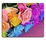 (Präzision gesäumte) Naturkautschuk-Mausunterlage Glückliche Frühlings-Frühlingsbunte Rosen und Gänseblümchen-Blumen auf Rosa Holz table3