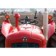 Tarjeta de felicitación de tractor Massey Feguson