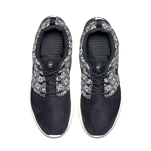 Nike Roshe One Winter, Scarpe sportive, Uomo Nero / Grigio (Black / Black-Sail)