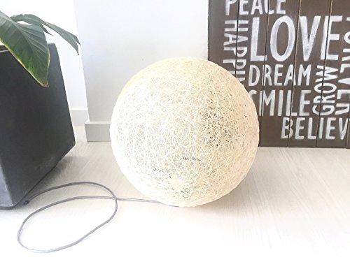 Lámpara de sobremesa esfera decorativa de hilo de algodón, artesanal, hecha a mano 30 cms.