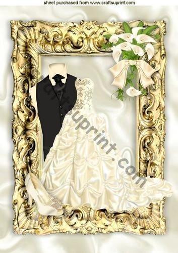 robe-de-mariage-avec-tux-dans-un-cadre-de-style-baroque-dore-a4-par-nick-bowley