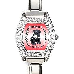 Reloj color plata y piedrecitas ,diseño pug carlino color negro