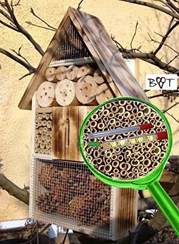 Große Nistkästen XXL Insekten Insektenhotel - NEU MIT SCHMETTERLINGSHAUS, groß 50 cm mit Lotus-Effekt Oberflächen Beschichtung und 2 Sichtgläsern 8 und 11 mm, Beobachtungsröhrchen komplett mit Zellstoff und Füllmaterial für Nistkasten Schmetterling Haus Bienen Wildbienen Unterschlupf, gebrannt geflammt schwarz natur Deko Insektenhäuschen, zum Hängen und Aufstellen geeignet