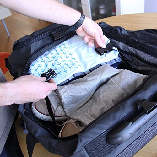 Imagen de eco maleta plegable con ruedas convertible a  hecha de material reciclado rpet negro  alternativa