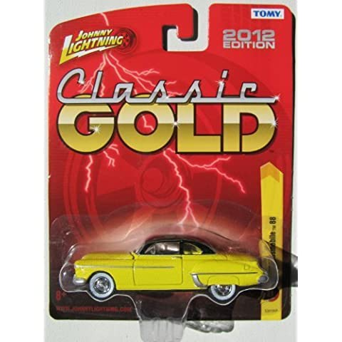 Johnny Lightning R21 Classic Gold 1950 Oldsmobile 88 Yellow/Black Roof by TOMY