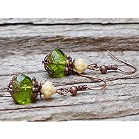 Vintage Ohrringe mit Glasperlen - grün, beige & kupfer