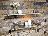 Set mit zwei Holzwandregalen mit Metallwinkeln im urbanen Industriestil