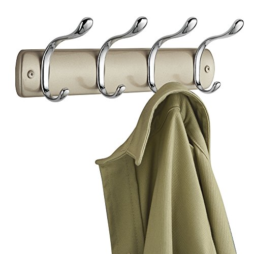 mDesign Perchero de pared de acero - Colgador de ropa con 8 ganchos - Cuelga ropa para recibidor: abrigos, sacos, chales, pañuelos - Muy útil para organizar armarios y guardarropas - color champaña