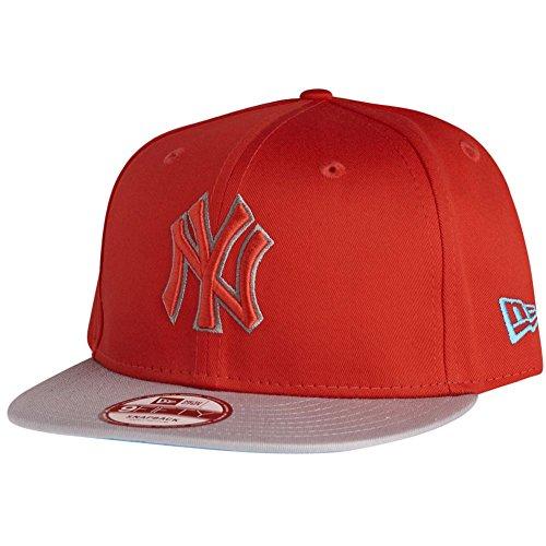 New York NY Yankees MLB Black / Grey Pop Outline New Era 9Fifty Snapback Adjustable Baseball Cap