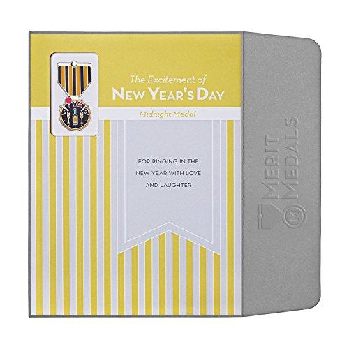Holiday Heroes Collection: tarjeta de felicitación y regalo, NEW YEAR'S DAY, A7
