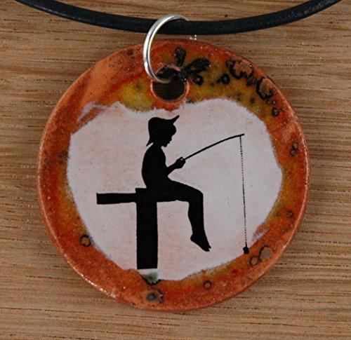 Echtes Kunsthandwerk: Toller Keramik Anhänger mit kleinem Angler, Kette Kettenanhänger, Keramikanhänger, Halskette, Kinder, Damen, Modeschmuck,...