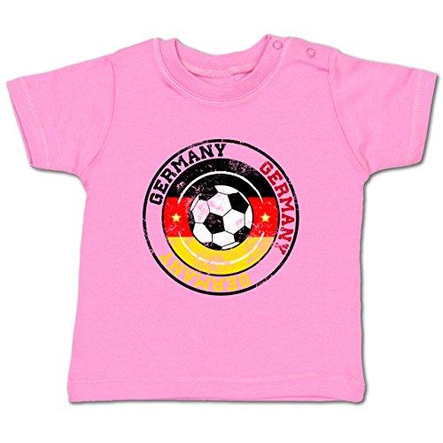 Fußball-WM 2018 Russland - Babys - Germany Kreis & Fußball Vintage - 12-18 Monate - Pink - BZ02 - Babyshirt kurzarm (Der Kreis Der Anfang)