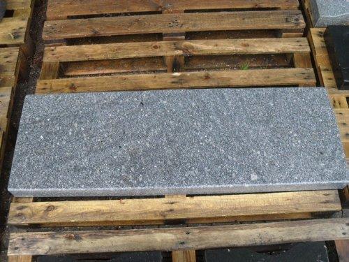 Gartenbankplatte aus grauem Granit - Granitbank Steinbank Sandsteinbank Gartenbank