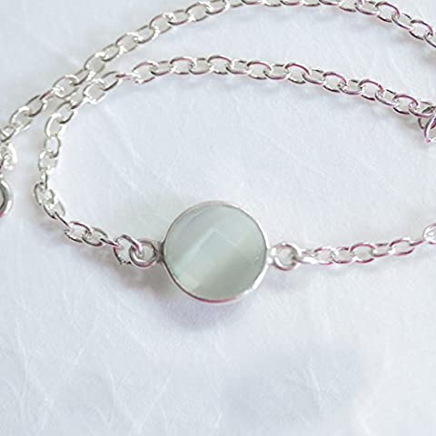 Zierliches Edelsteinarmband mit grauem Katzenauge und