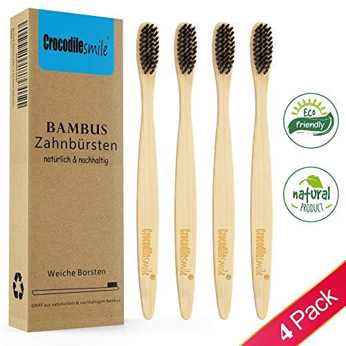Bambus Zahnbürsten Set 4 Stk ♻ Weich ✮ 100{84306690fd09783341ca45b5e2b422a1aef7a795a4a2173c2a4e1ec075ef0f4e} frei von BPA ✮ Nachhaltige & Vegane Holzzahnbürste - Borsten mit Bambus-Holzkohle für beste Sauberkeit