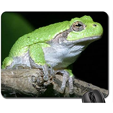 GRAY TREE FROG ON BRANCH Mouse Pad, Mousepad (Frogs Mouse Pad)