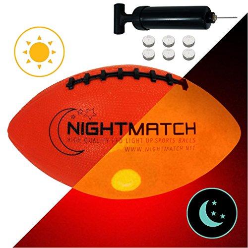 Balón de Fútbol Americano NightMatch que se Ilumina incl. Bomba de balón - LED Interior se enciende cuando se rebotado– Brilla en la Oscuridad - Tamaño 6 - Tamaño y Peso Oficial - Alta calidad – Balón de Futbol Americano de Juguete que Brilla en la Oscuridad