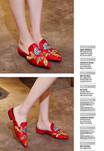 GLTER Donne Pantofole a punta di punta velluto nazionale ricamato testa scamosciata pigro freddo pantofole Mules Red