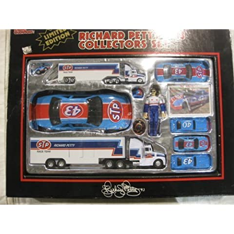 STP #43 Richard Petty Race Team Nascar Winston Cup Racing Collectors Set From Racing Champions 1991 by Racing Champions