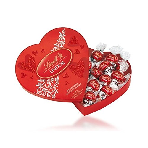 Lindt Lindor Amour Heart Chocolate Box, 160g