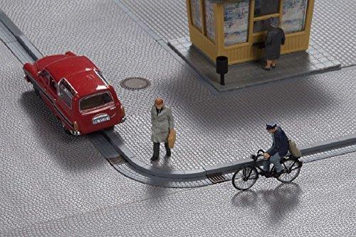 auhagen-42656-marciapiedi-con-grondaie-modelling-kit
