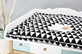 KraftKids Wickelauflage schwarze Dreiecke breit 60 x tief 70 cm passend für Waschmaschinen-Aufsatz von KraftKids
