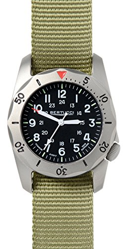Bertucci A-2TR Vintage 12116 Mens Patrol Verde Zaino in titanio Nero Band orologio da quarzo nero