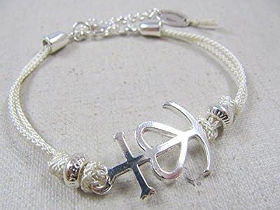 Bracelet cordon tréssé Croix de Camargue étain finition argent 925 avec cordon au choix