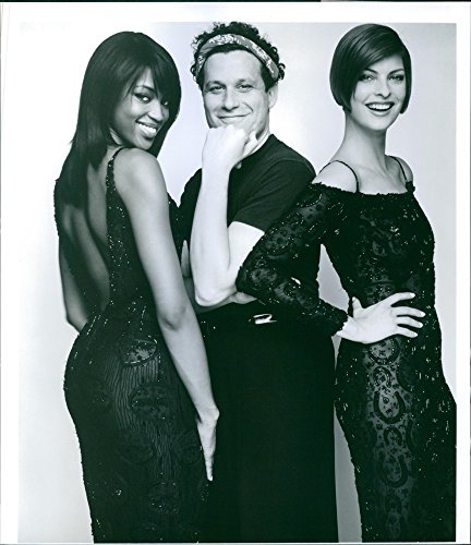 vintage-photo-of-naomi-campbell-isaac-mizrahi-and-linda-evangelista-from-the-film-unzipped-1995
